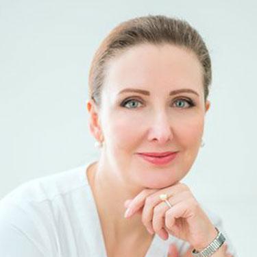 Headshot-Maria-Avis-2020-375x375-1
